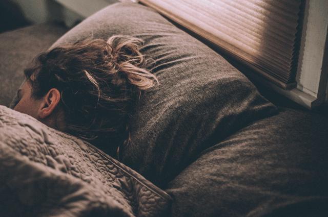 結合人工智慧與專家知識的居家型快速失眠檢測系統